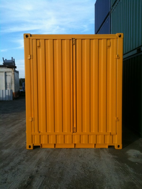 Lockable fabricated end doors