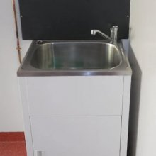 Internal hand basin, ideal for portable lunch room