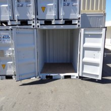 6 foot container doors open